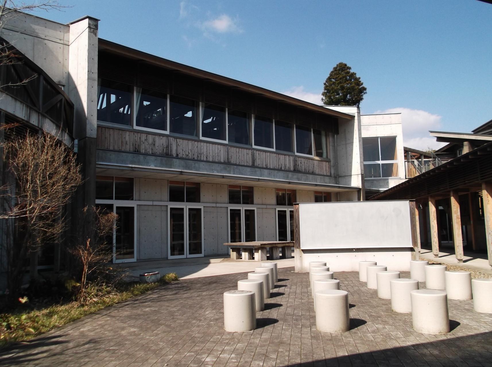 青空教室(中庭)