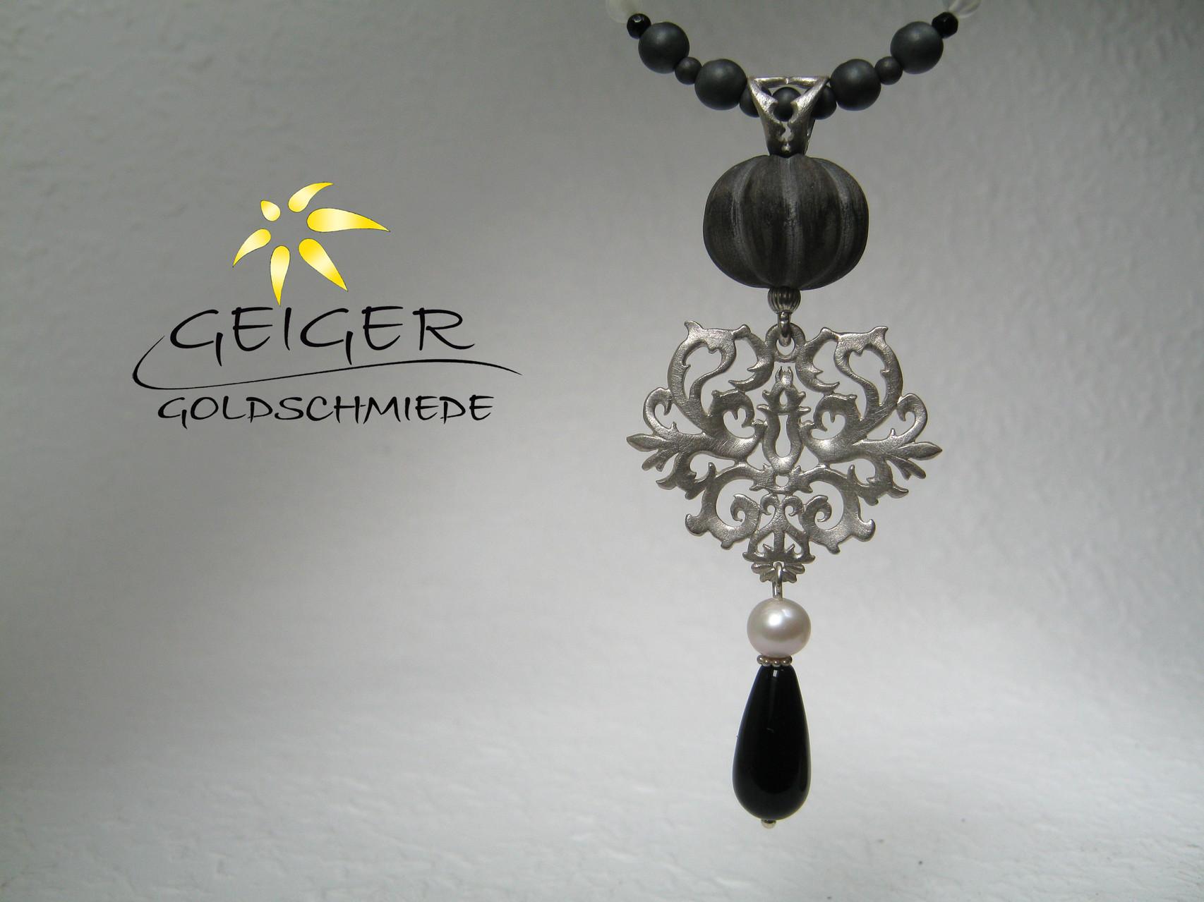 Geiger Goldschmiede Mainz Silberanhänger  Goldschmiedekunst in Formvollendung