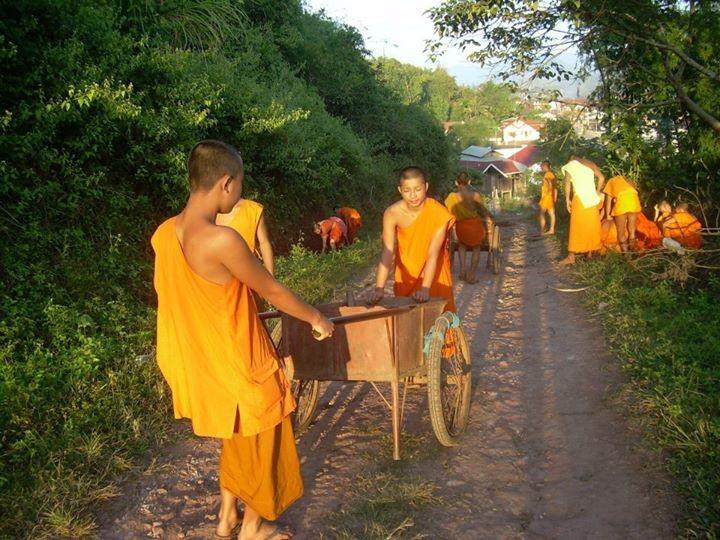 Moines - Laos 2008