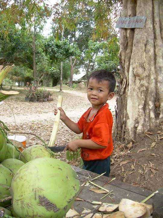 Kid & the Coconut - 4000 iles - Cambodge 2008
