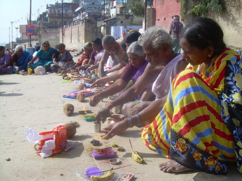 Puja - Varanasi - Inde