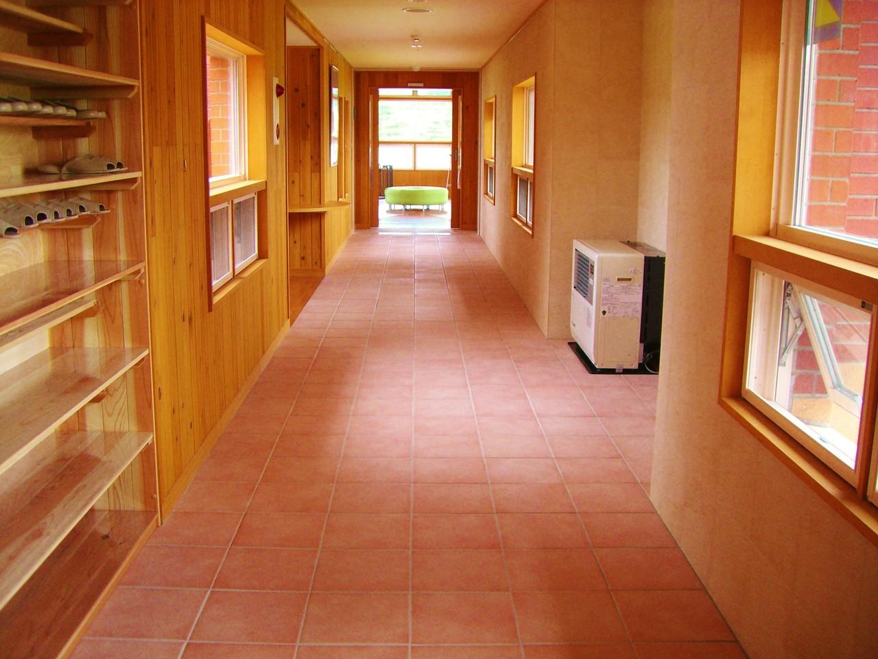 交流ホール側廊下