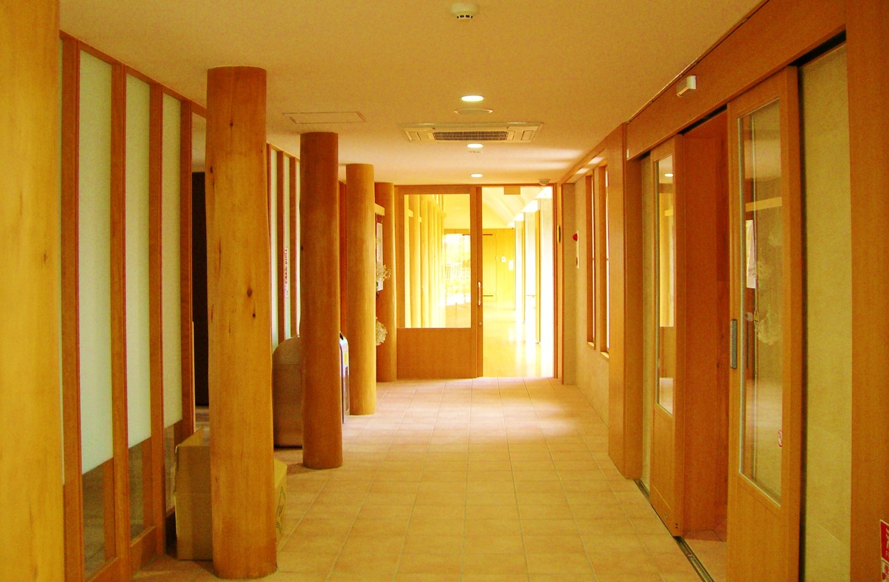 多目的ホール側廊下
