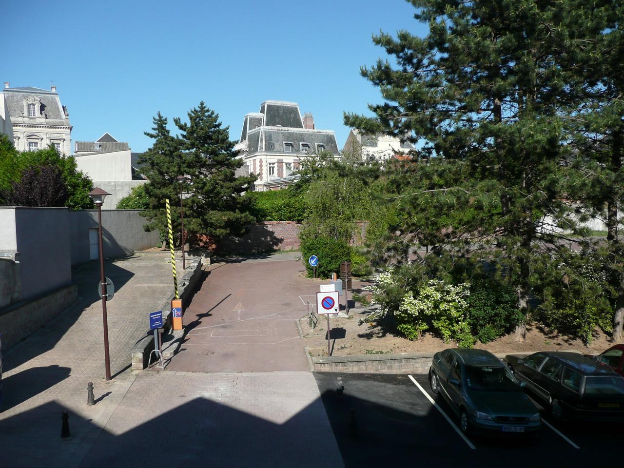 Vue sur le Palais de Fervaques et parking Emile Zola