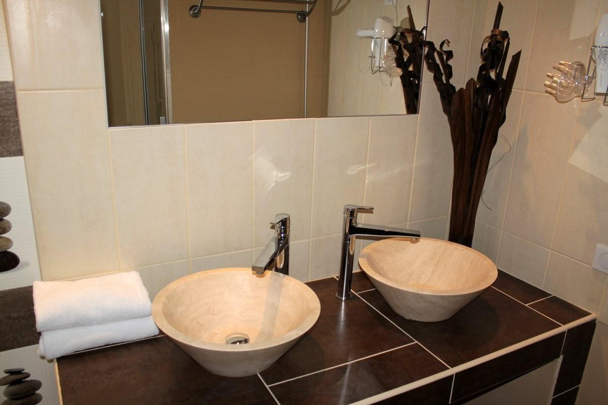 Double Vasques