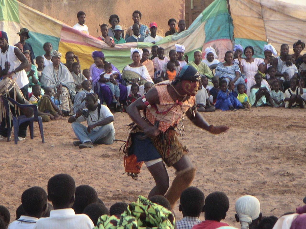 Senegal, Toubab Dialaw, Spektakel