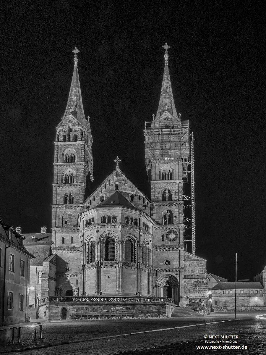 Der Dom von Bamberg. Ich fand das Bild, trotz Baugerüst, reizvol. Zugegeben, kein Paradebild