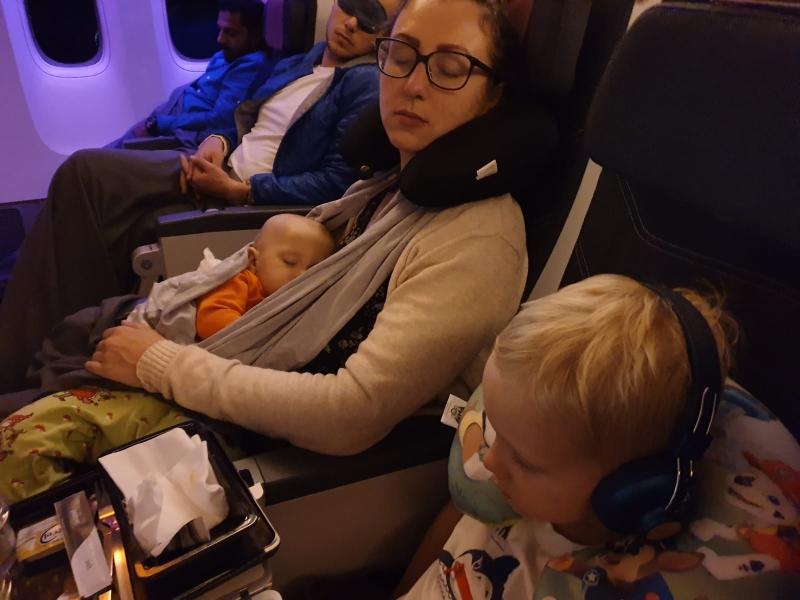 Schlafen auf dem Flug von Berlin nach Doha