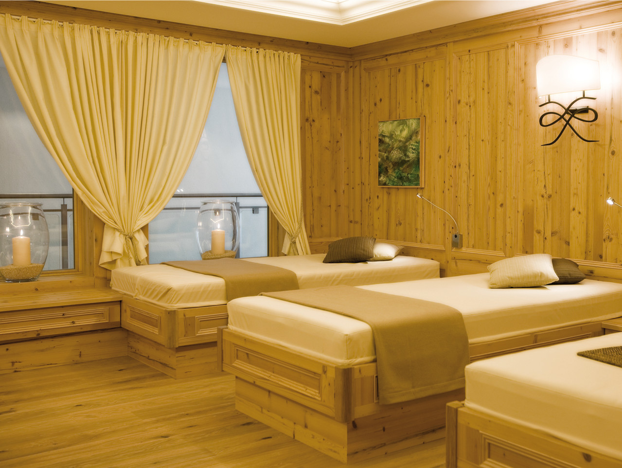 ...und haben viel Erfahrung in der Hotellerie (Bild: Burg-Vital Hotel, Oberlech).