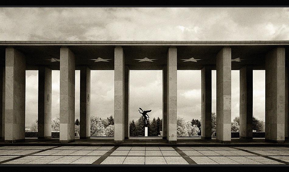 US-Soldatenfriedhof mit Gedenkstätte bei Henri-Chapelle