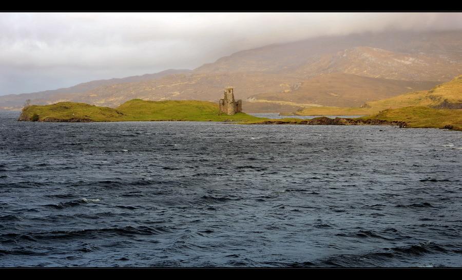 Ardvreck Castle, Loch Assynt, Sutherland, Highlands