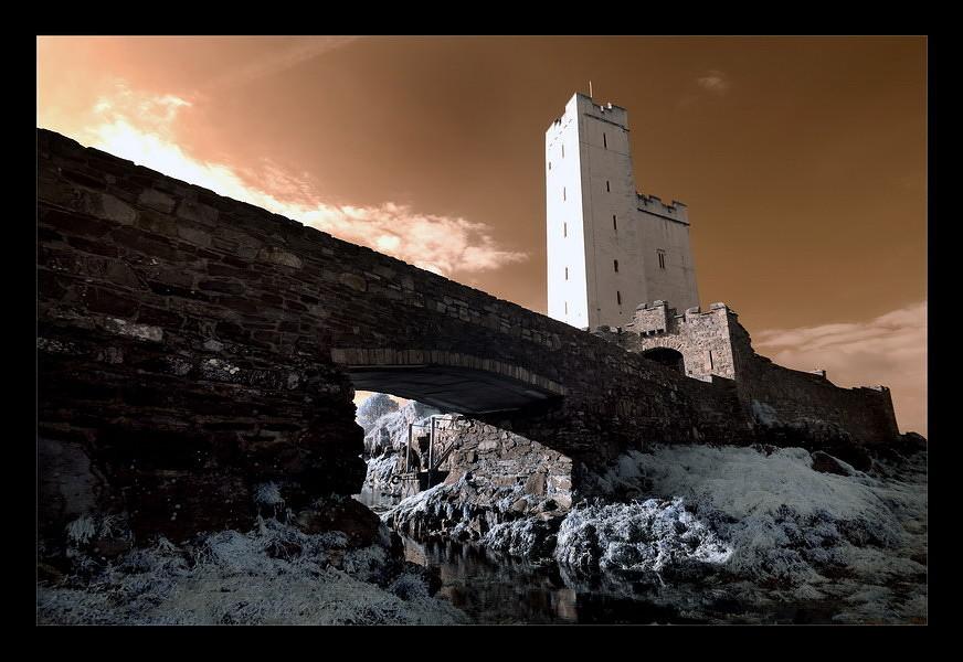 Kilcoe Castle / Southwest of County Cork IV (Infrarot)
