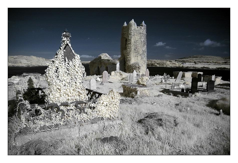 Old Saint Matthew`s Chruch / Kilcoe / Southwest of County Cork I (Infrarot)