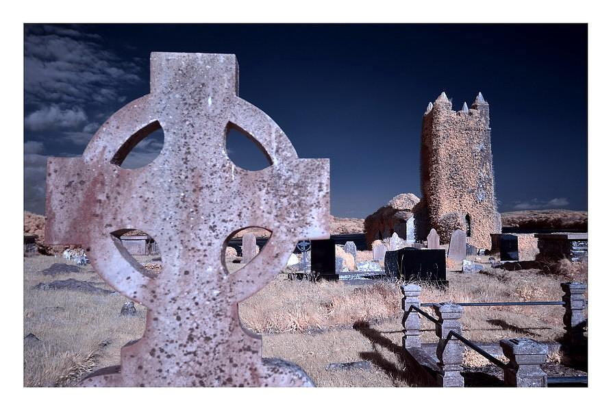 Old Saint Matthew`s Chruch / Kilcoe / Southwest of County Cork II (Infrarot)