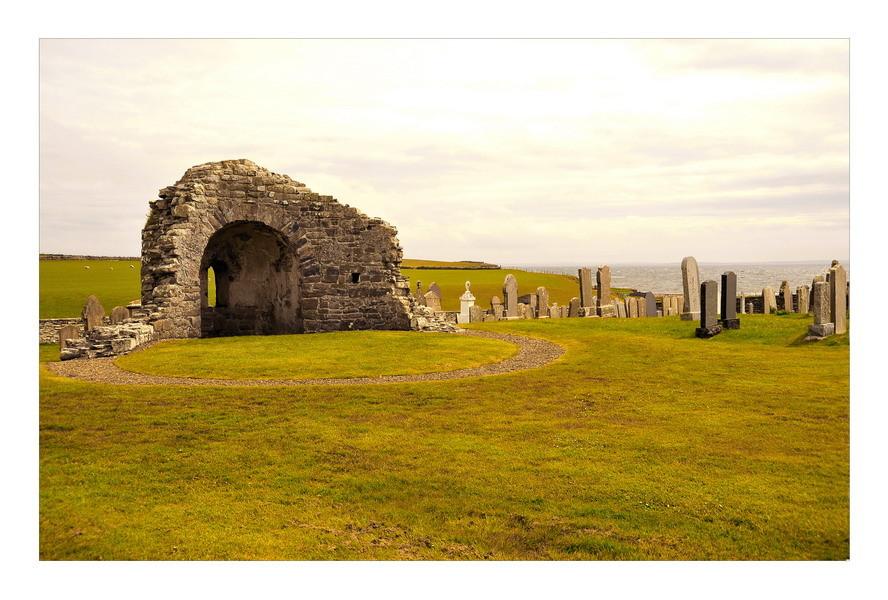 Orphir Round Kirk / Mainland, Orkney