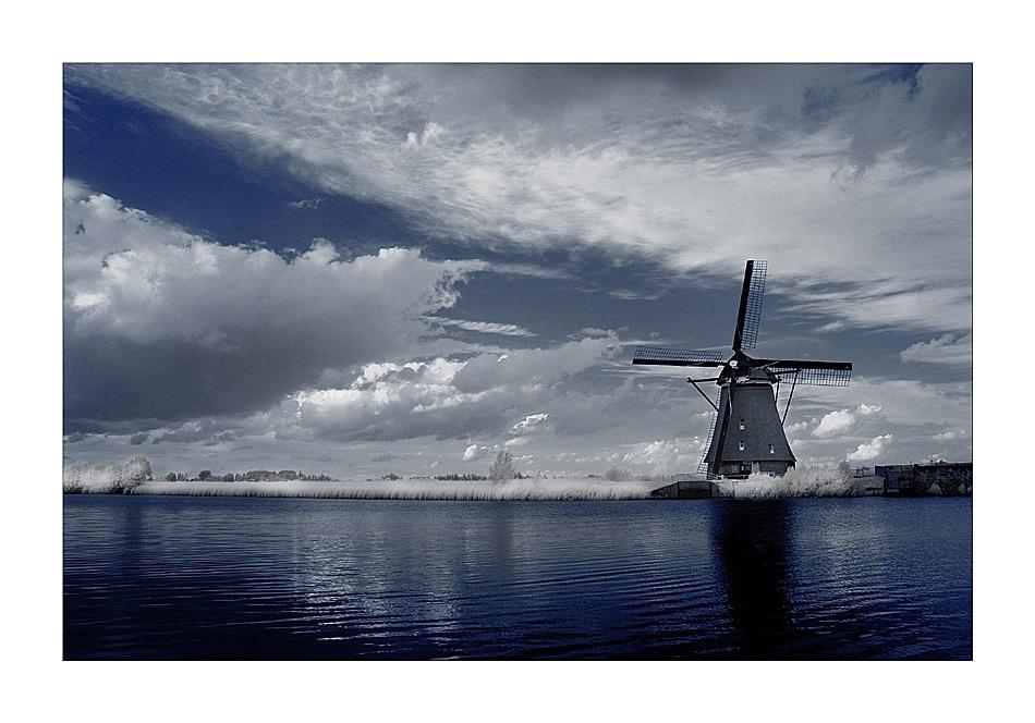 Die Mühlen von Kinderdijk IV (Infrarot)