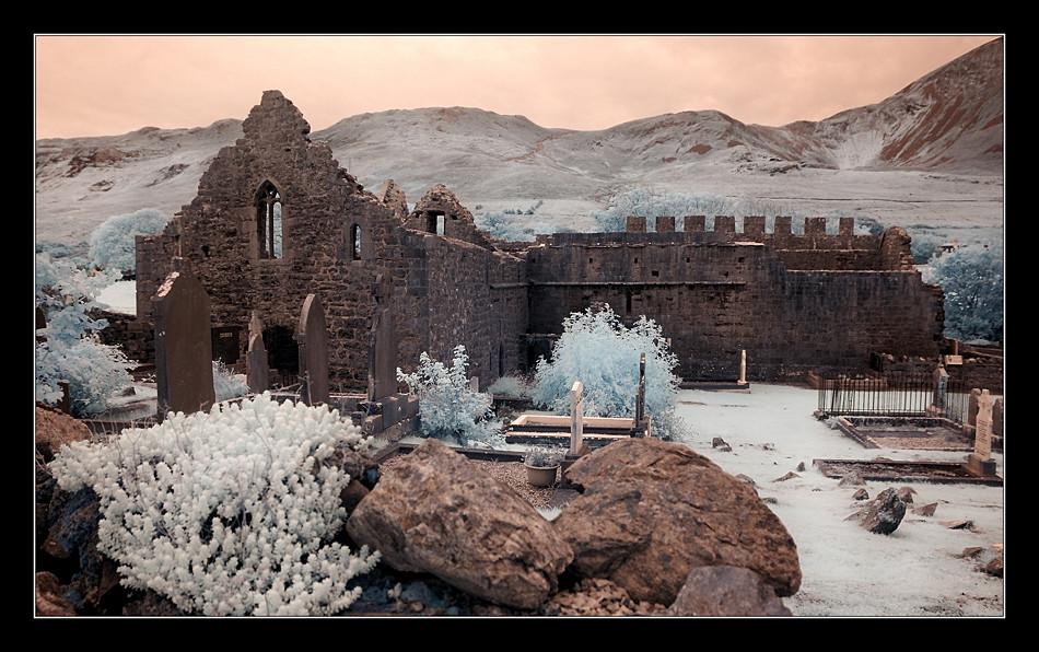 Murrisk Abbey / County Mayo (Infrarot) II