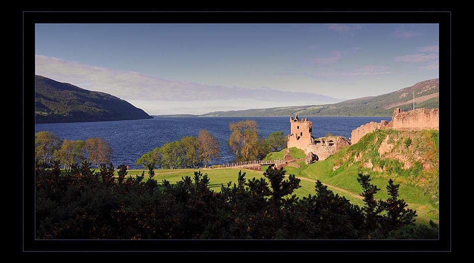 Urquhart Castle / Loch Ness