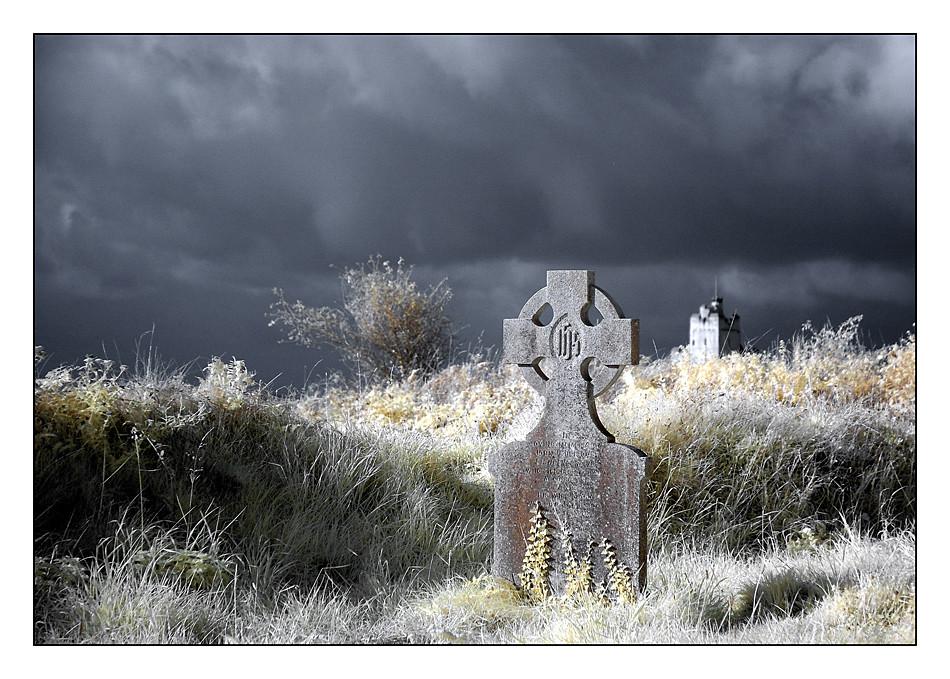Old Cemeterie / Kilcoe / Southwest of County Cork III (Infrarot)