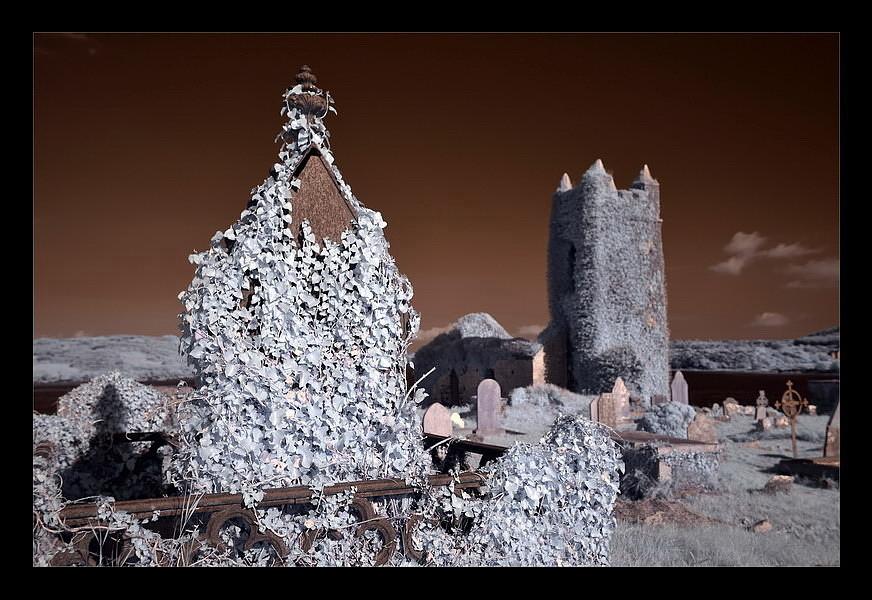 Old Saint Matthew`s Chruch / Kilcoe / Southwest of County Cork IV (Infrarot)