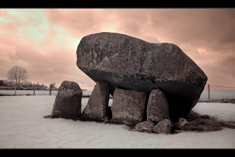 Browne`s Hill Dolmen (Infrarot)