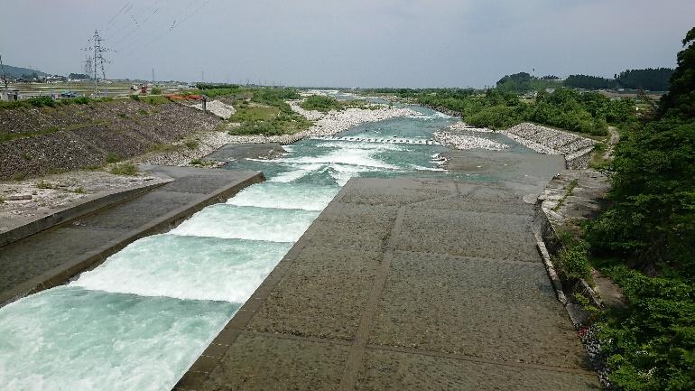 黒部川の堰堤魚道?付近・これら禁漁区もありますので、要確認して釣行して下さい。