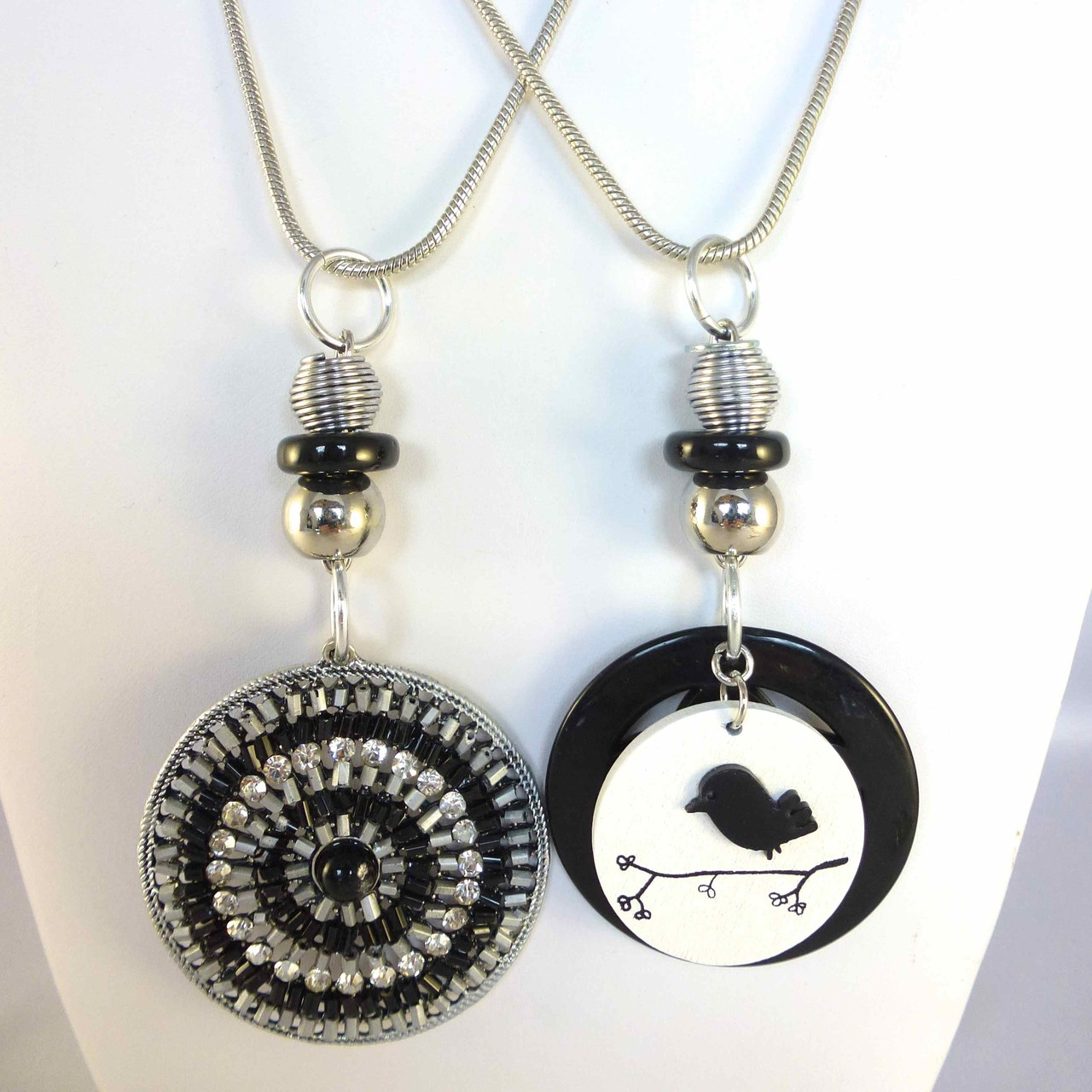 Bijoux Fantaisie: Colliers longs FATALE et POETIQUE, Collection printemps/été 2015, Créations Chagoë