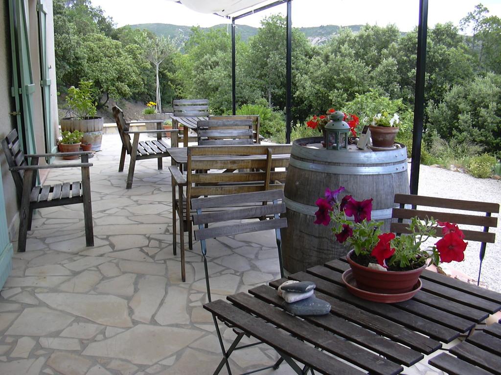 Chambres d'hôtes Le Cadran Solaire terrasse où sont servis les petits déjeuners