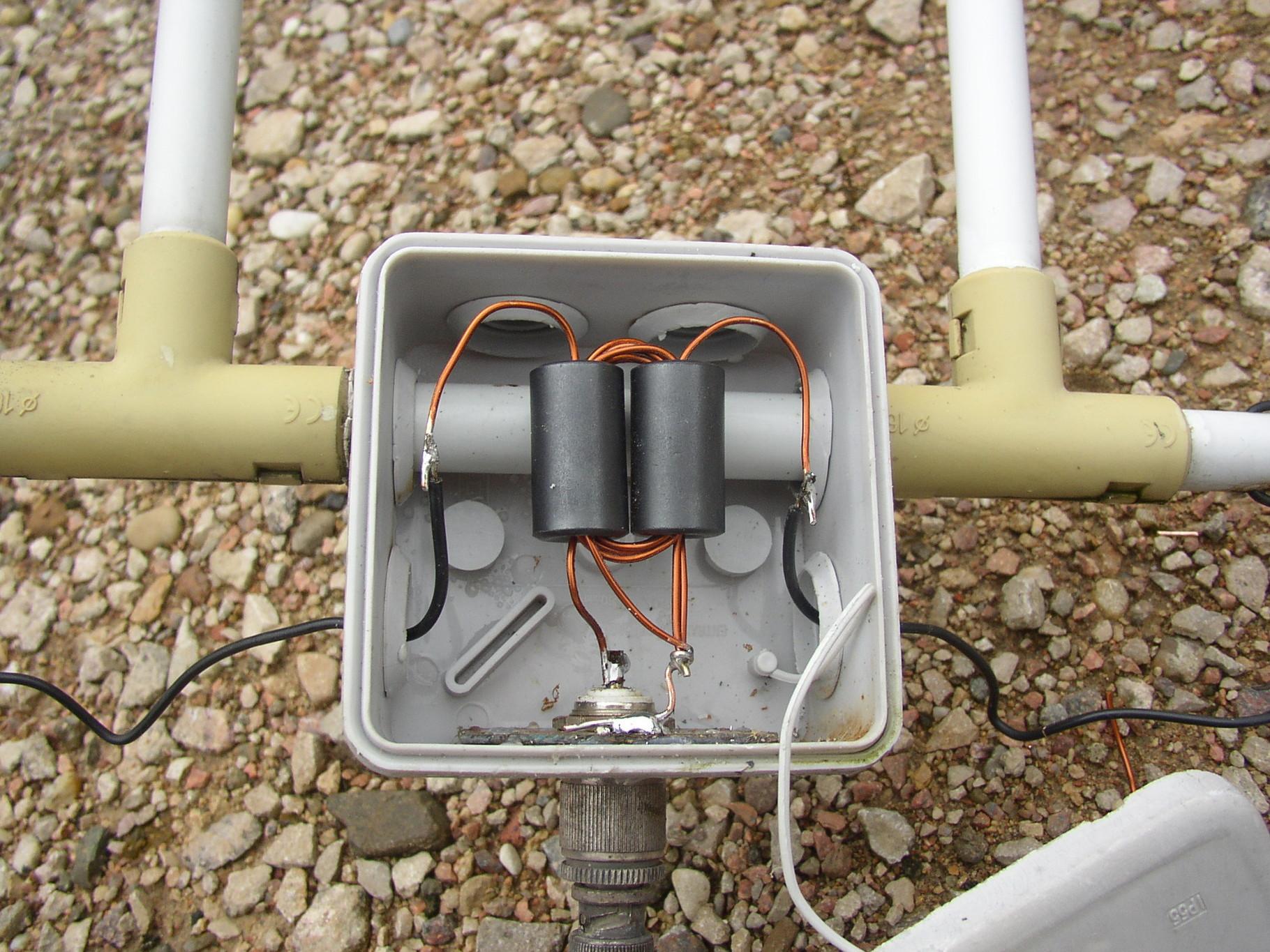 Magnetic Balun Un Un Antenne: Balun Con Ferrite Binoculare