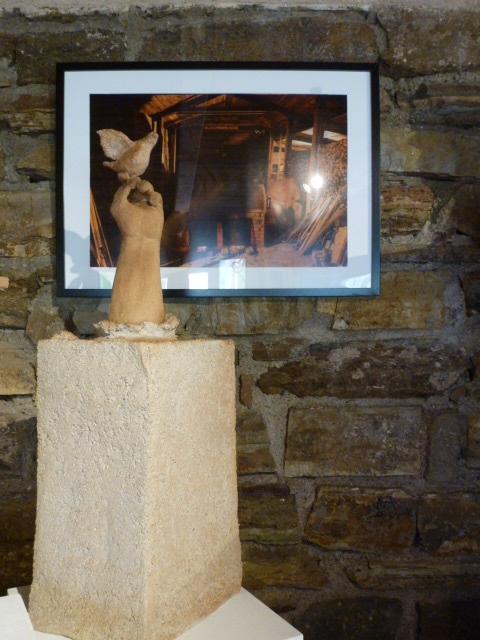 La Colombe de Caco a trouvé sa place ...sculpture grès cuisson four à bois - Noborigama -