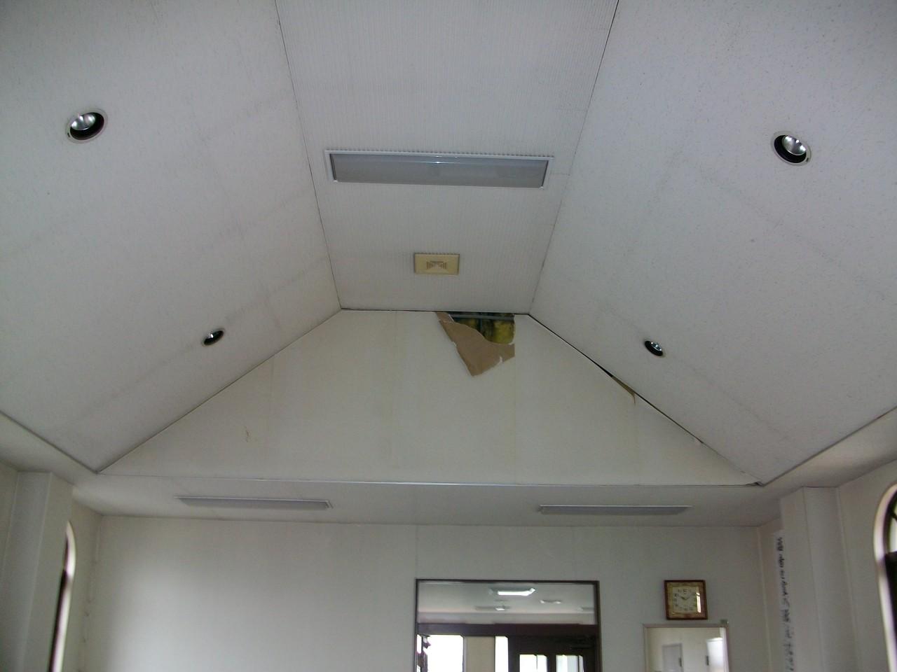 礼拝堂出口天井