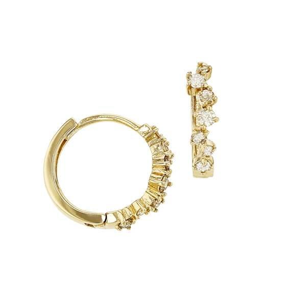 Diese Ohrringe aus 14 Karat Gold und mit 7 Diamanten gibt es zu gewinnen.