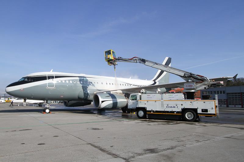 Airbus, ACJ319, a319 dmitry rybolovlev, sophair, m-kate, bern, lszb, brn, berne, deicing