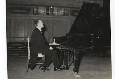 Sviatoslav Richter, pianist din Uniunea Sovietica, prezent la Festivalul George Enescu la editia din 1961 (sursa foto:Muzeul National George Enescu)