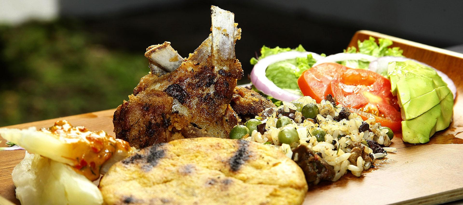 QUE HACER?  Degustar nuestros platos típicos.. Cabrito, mute y más