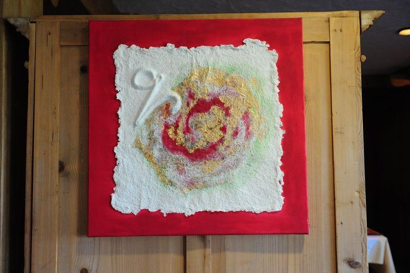 """Coloriertes Relief aus handgeschöpftem Papier zur Bachblüten - Essenz """"Wein"""", von SUSHMA Cornelia Bühler"""