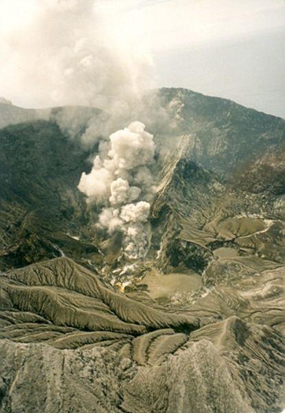 Flug zum White Island Vulkan