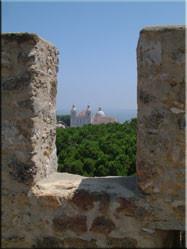 Het zicht vanaf het Castelo de Sao Jorge over de stad Lissabon is werkelijk geweldig. Het kasteel zelf is echt een bezoek waard.