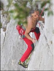 De Gorges lenen zich uitstekend voor buitensportactiviteiten. Klimmen, abseilen, kanoën en raften zijn er dagelijkse kost.
