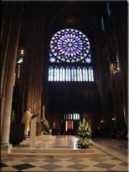 De geweldig mooie Notre Dame kathedraal in Parijs is zeker een bezoek waard. Onderstaande opname is gemaakt tijdens een mis op eerste paasdag.