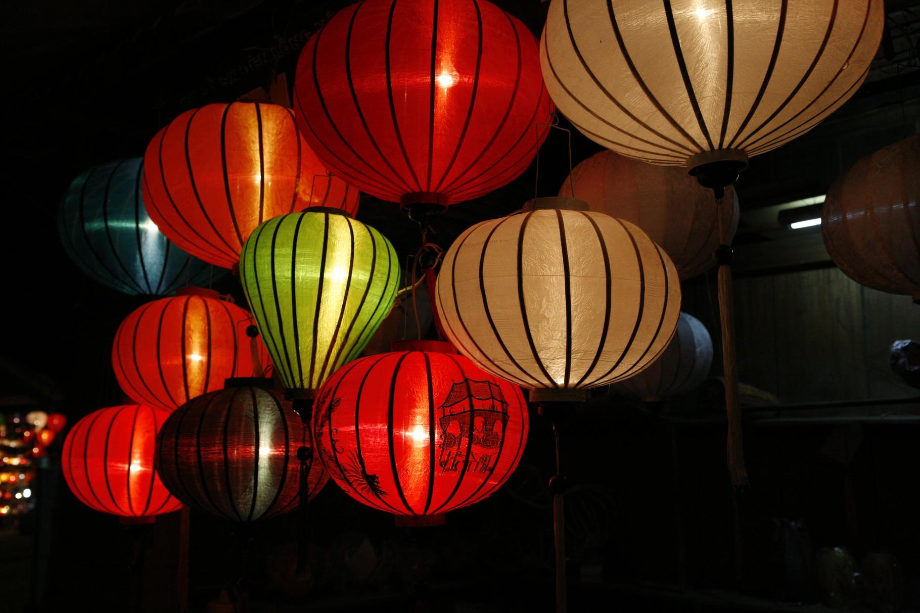 Lampionnen op de markt in Hoi An, Vietnam.