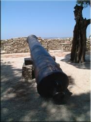 Vanaf het Castelo de São Jorge heb je vanaf de 120 meter hoge heuvel waarop het kasteel staat een prachtig uitzicht over de stad en de rivier Rio Tejo.