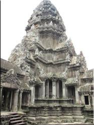 Een kleinere binnenplaats uit het Angkor Wat complex. Het feit dat alles uit steen is gehouwen is erg indrukwekkend.