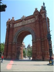 Als je het 'Park de la Cuitadella' uitloopt heb je een schitterend uitzicht op de Spaanse 'Arc de Triomf'.