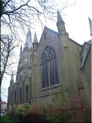 Eén van de vele kerken die Brugge rijk is en prachtige plaatjes op leveren. De parkjes die er vaak omheen liggen zijn ook om van te genieten.