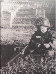 Een indrukwekkende foto in de entree van het museum voor oorlogsmemorabilia. Het museum over de Vietnamoorlog.