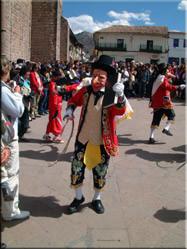 De dagen dat ik er was werd het onafhankelijksfeest van van de Spanjaarden gevierd. Dat leverde prachtige culturele festiviteiten op straat op.