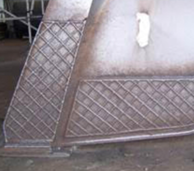 Hard surfacing payloader bucket for wear resistance