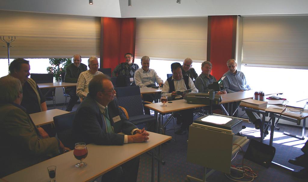 Kodintekniikan Seniorit ry:n kevätkokous pidettiin ms. Isabellan kokoustiloissa
