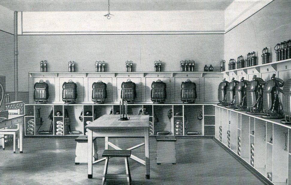 Gerätelager der Rettungsstelle Abwehrgrube  1929